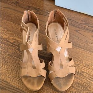 2 1/2 inch brown wedges